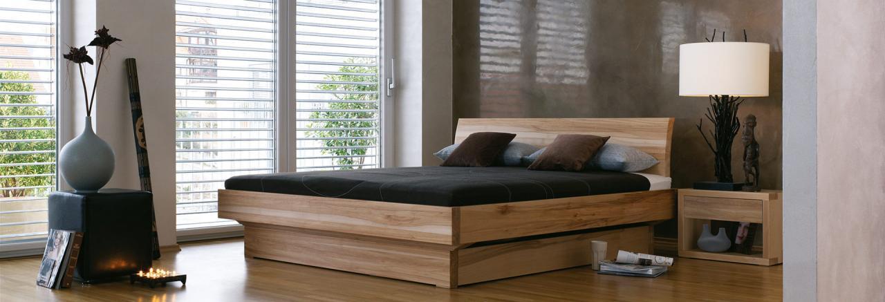 Dormiente Massivholzbett Morell mit Nachtkonsole Morell